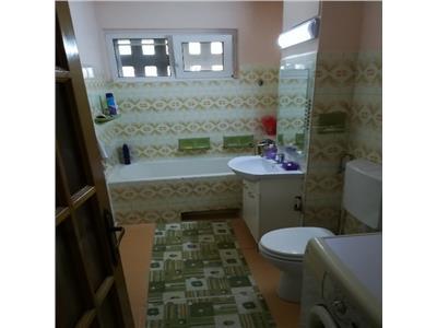 Vanzare Apartament 3 camere, 65 mp, Terasa, zona str Putna!