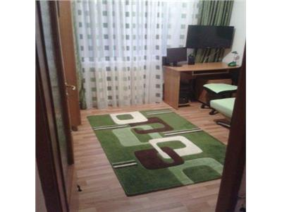 Vanzare apartament 3 camere  54mp  zona strazii Bucegi