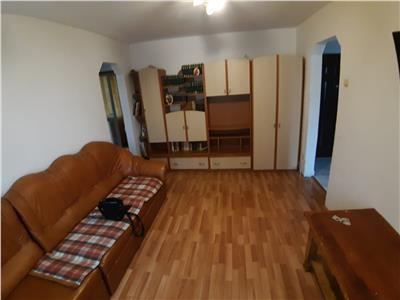 Vanzare apartament 3 camere - 54mp - zona strazii Bucegi