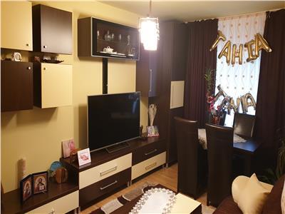 Vanzare Apartament 3 cam,78mp,cartier Gruia zona stadion CFR !