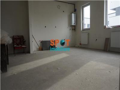 Vanzare apartament 3 cam, 82 m2, zona str Stadionului Floresti!