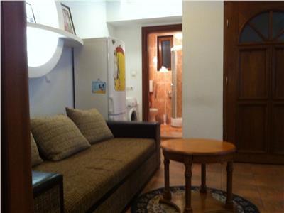Inchiriere apartament spatios  2 camere  central