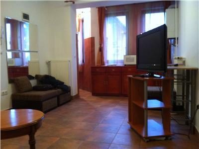Inchiriere apartament spatios - 2 camere - central