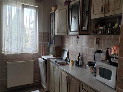Vanzare Apartament 4 camere ,87 mp zona Sirena!