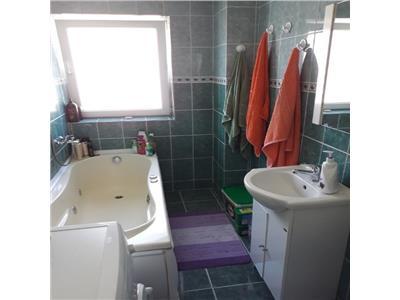 Vanzare Apartament 2 camere 52mp+12mp terasa si mansarda ,zona Terapia!